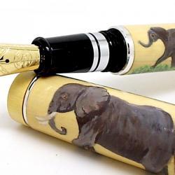 """Le """"Messager"""" et éléphants peints à la main"""