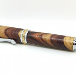 plume en bois de violette, coupe à 45°, chrome et or