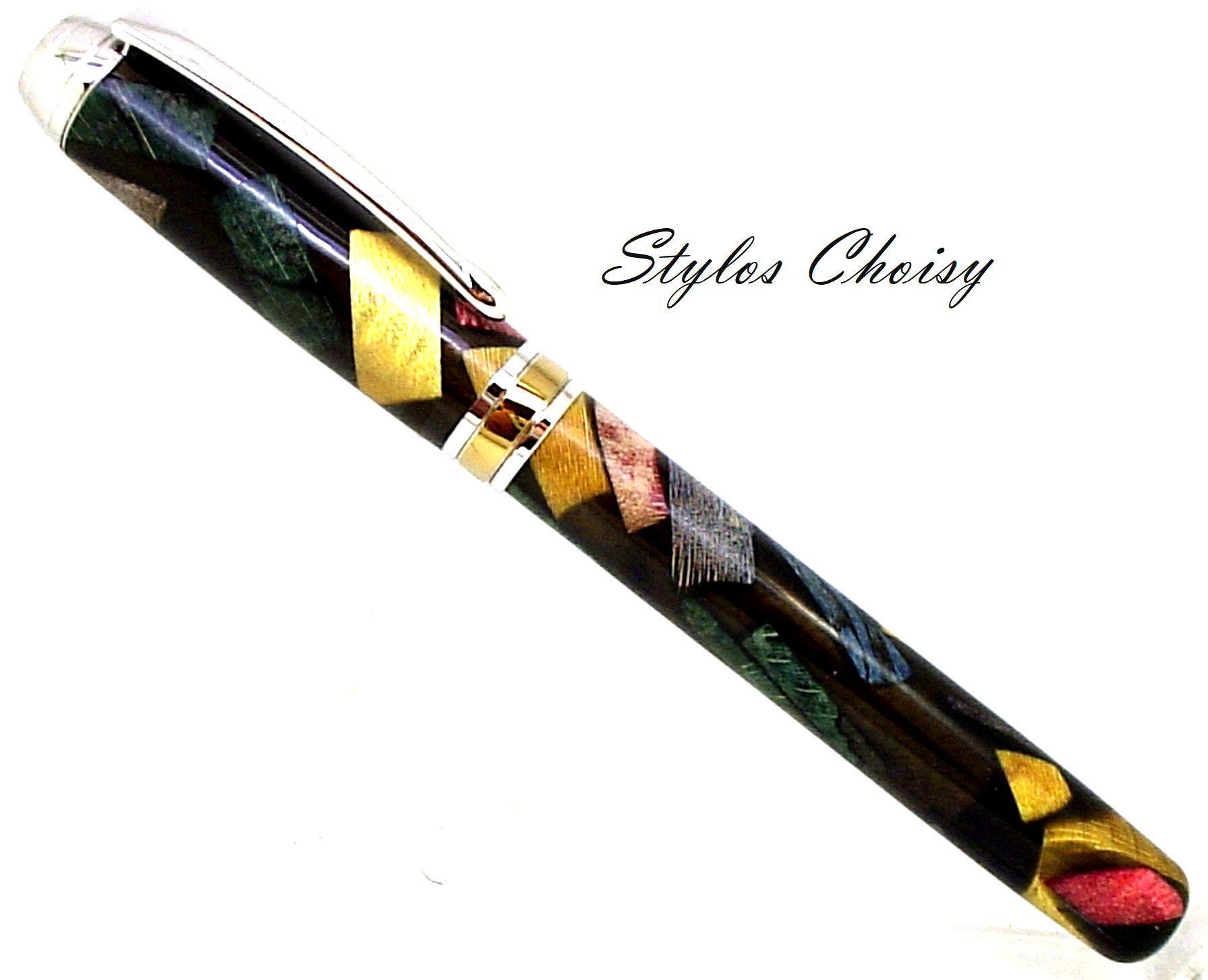 Plume serenite inclusion bois precieux dans resine noire platine et titanium 1