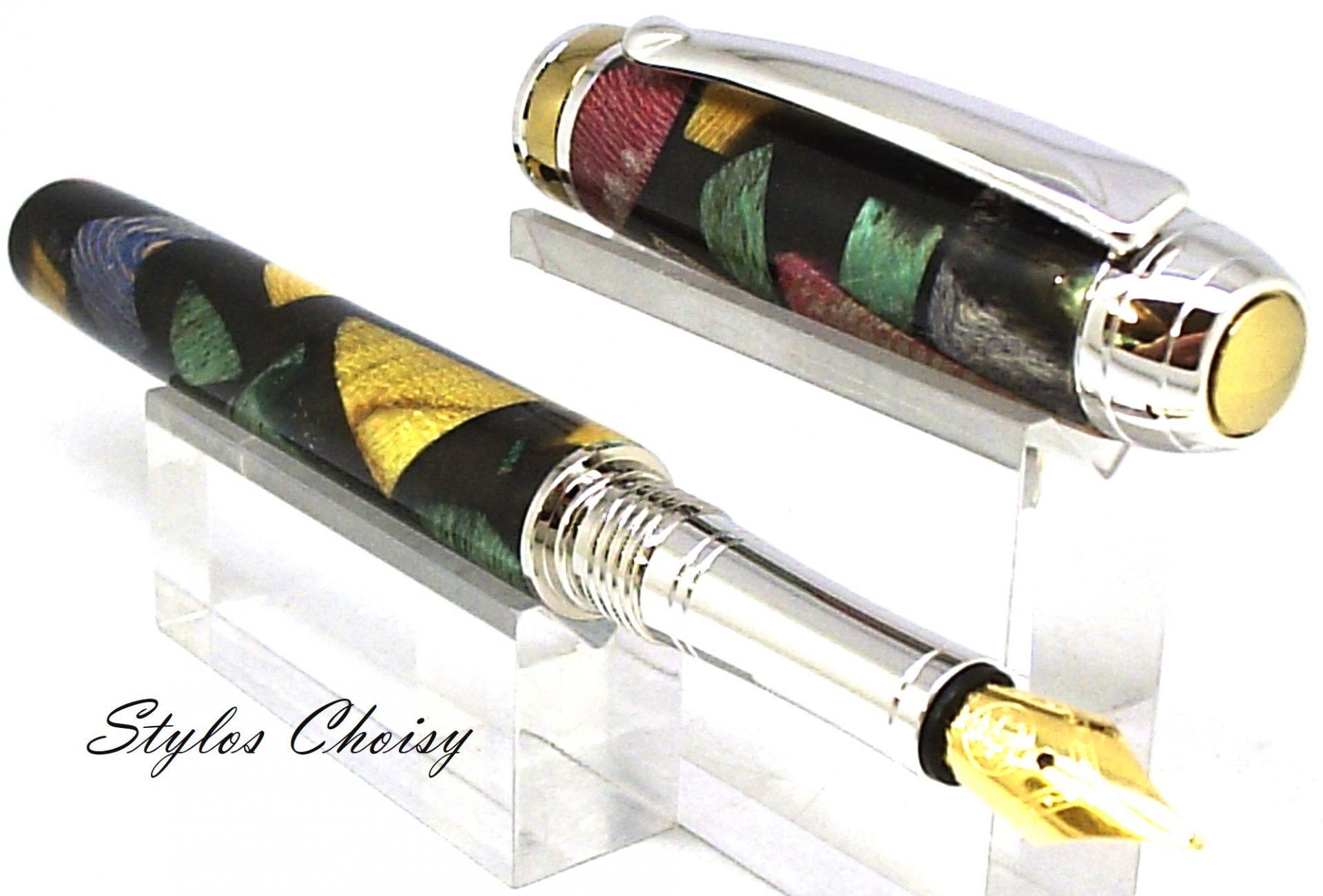 Plume serenite inclusion bois precieux dans resine noire platine et titanium 3